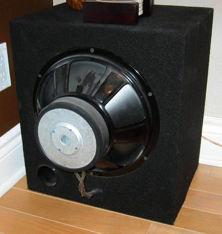 2000 watts, 3 Subwoofers and 6 Speakers